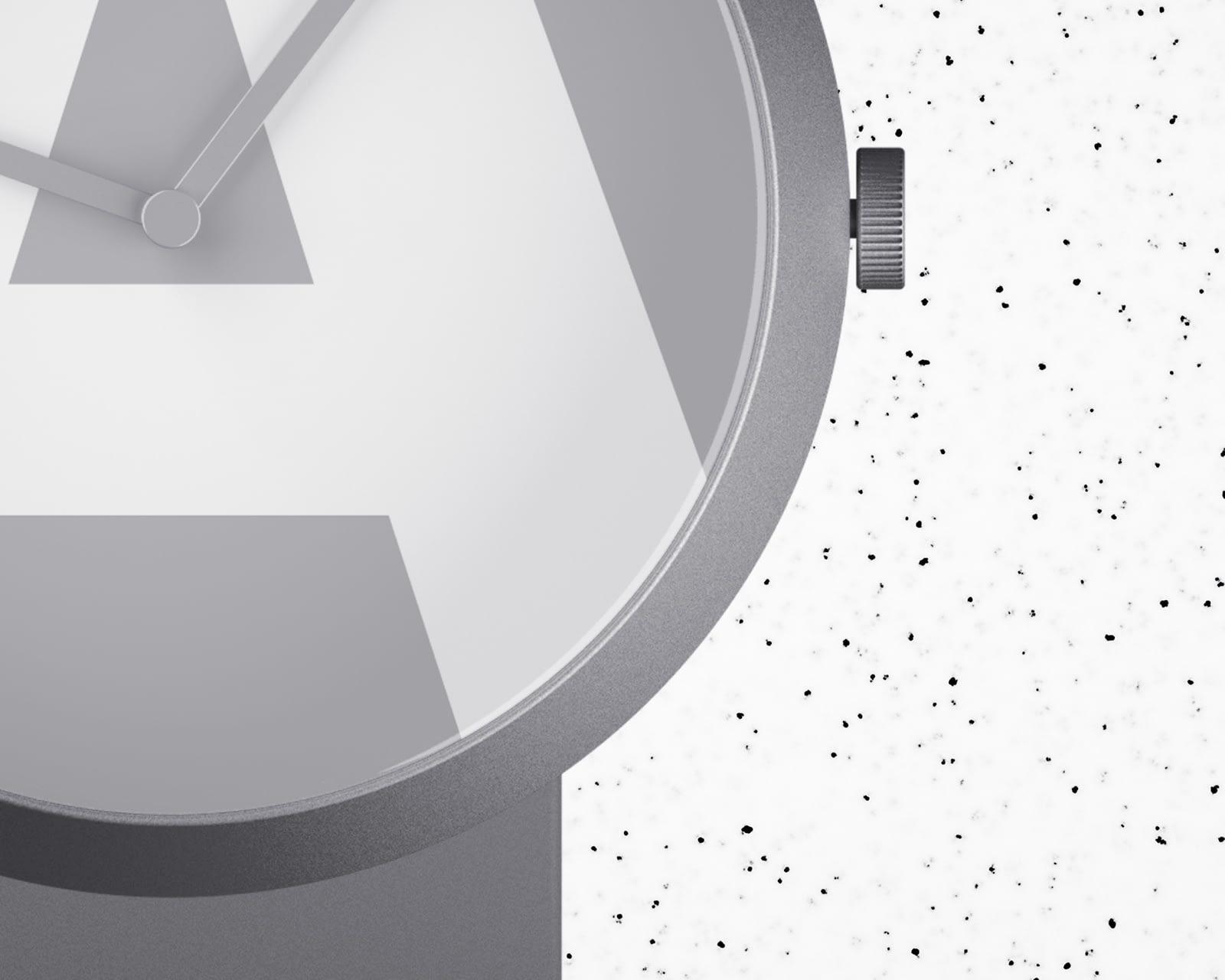 round-watch-free-mockup-close-up